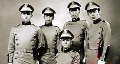 11.25 自決 の 日 三島 由紀夫 と 若者 たち